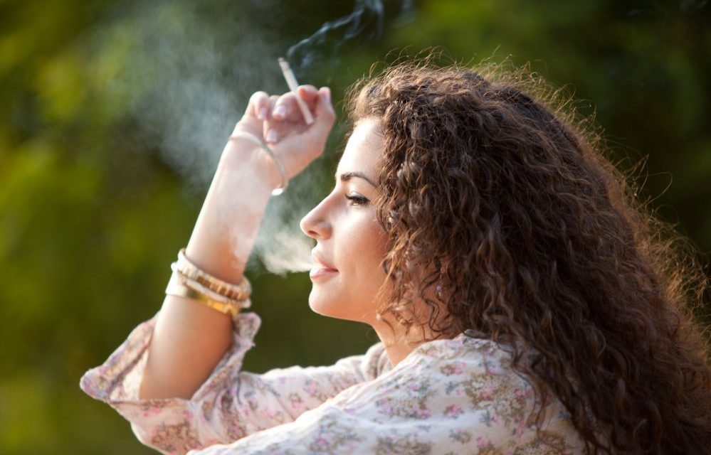 06143f91d Cigarro e varizes  relação do fumo com o surgimento da doença